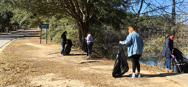 SGA and others participating in Clean Up Day on February 20, 2021