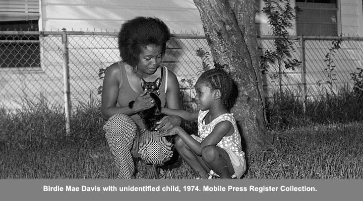 Birdie Mae Davis with unidentified child, 1974