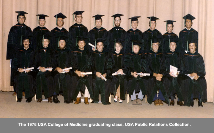 The 1976 USA College of Medicine graduating class.