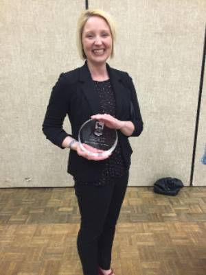 USA ALUMNA DR. ANDREA HUNT ( MA 2004) RECEIVES OUTSTANDING EARLY CAREER AWARD FOR SERVICE AT UNA
