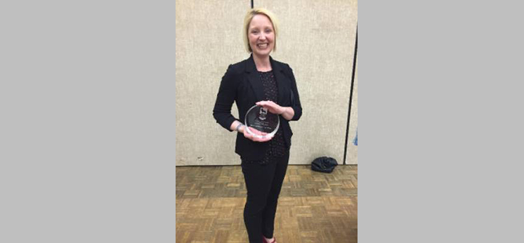 USA Alumna Dr. Andrea Hunt (MA 2004) Receives Outstanding Early Career Award for Service at UNA