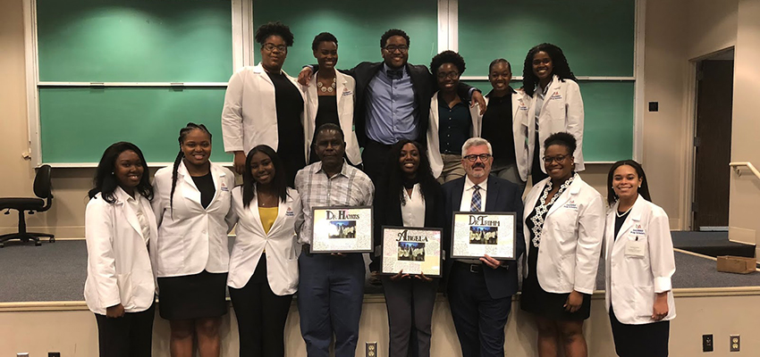 South Med Prep Scholars Participate in Research Day