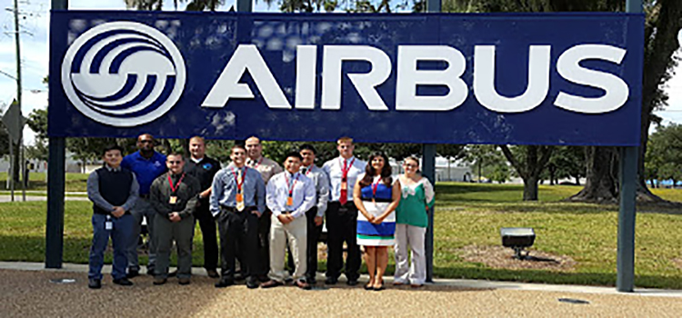 Students and Airbus Employees at Airbus Engineering Center data-lightbox='featured'