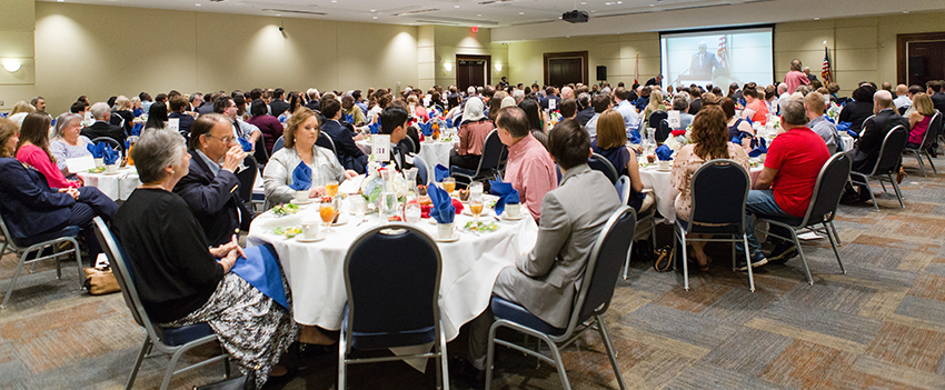 2017 Scholars Banquet Honors MCOB Students