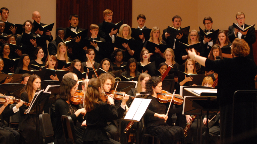 USA Concert Choir and University Chorale performing in fall concert