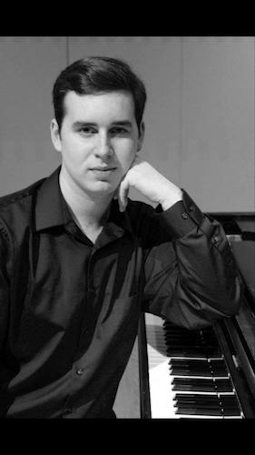 Pianist Lee Arron Klosterman