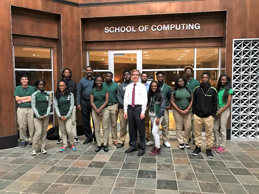 VHS STUDENTS VISIT THE SCHOOL OF COMPUTING