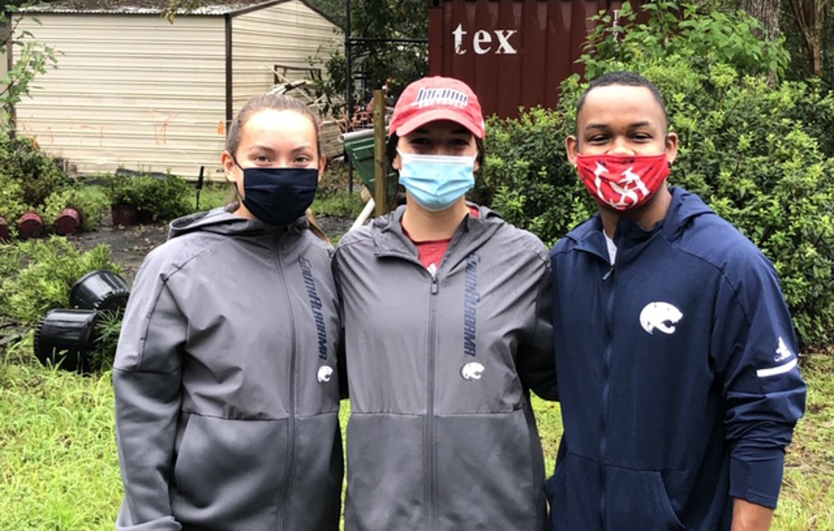 USA student-athletes volunteered to cleanup area households following Hurricane Sally.
