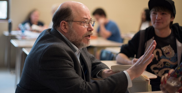 Dr. Chris Hollingsworth, associate professor of English, is one of 10 faculty members who was selected to participate in the Active Learning Initiative pilot project to increase student performance in the classroom and online.