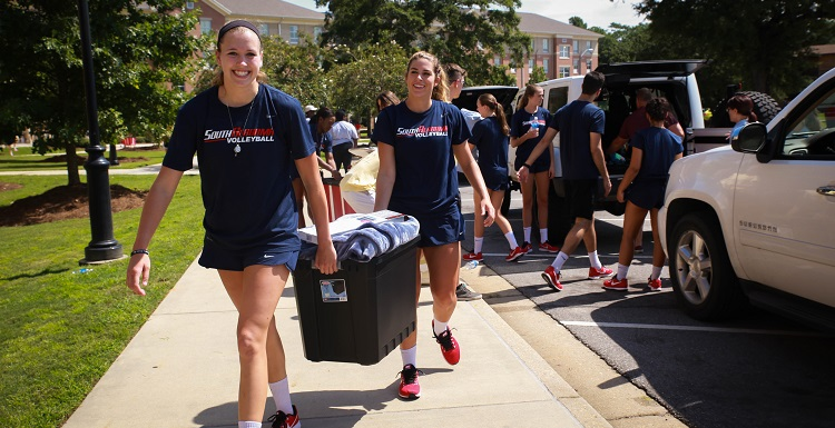 Video: Move-In Day 2017