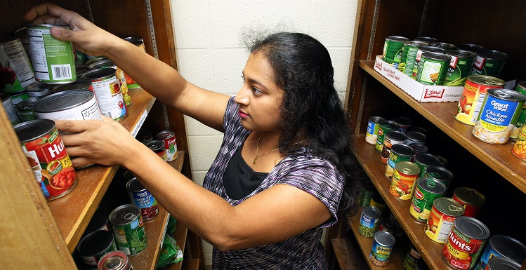 "Supraja ""Sippy"" Sridhar, a second-year medical student, and other students are helping to provide food for hungry South students through the Donor to Diner organization she created."