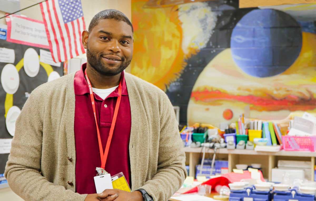 Timothy Johnson, a University of South Alabama graduate of the College of Education and Professional Studies, was recently honored as the 2019 Outstanding Alabama Elementary School Science Teacher. He is a STEM lab instructor at E.R. Dickson Elementary School in Mobile.