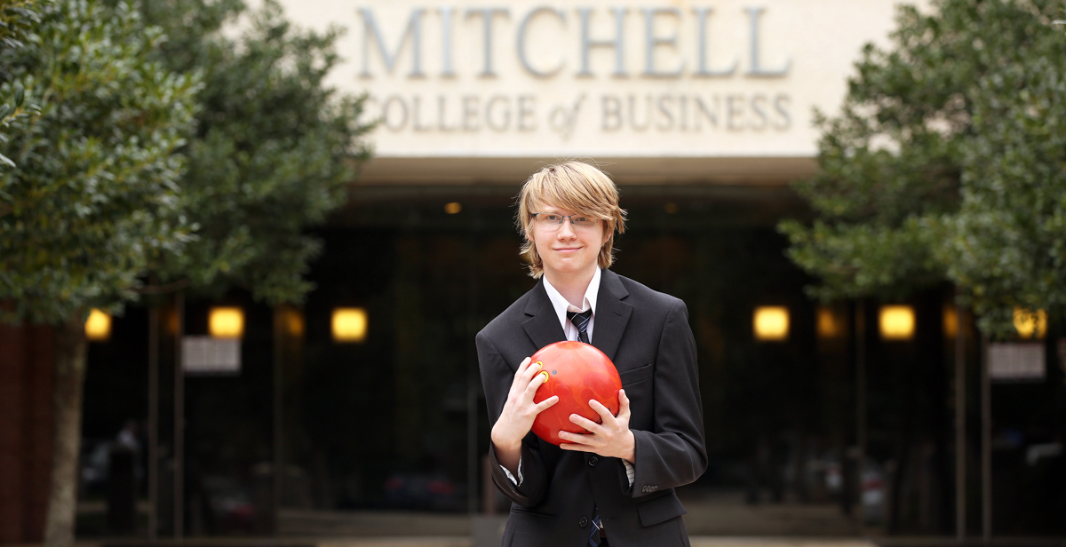 "When Trey Hall toured the University of South Alabama as a student in high school, he was impressed to find the Mitchell College of Business had 12 Bloomberg terminals. ""In that interview,"" Hall said, ""I thought, 'Oh, I need to come here.'"""