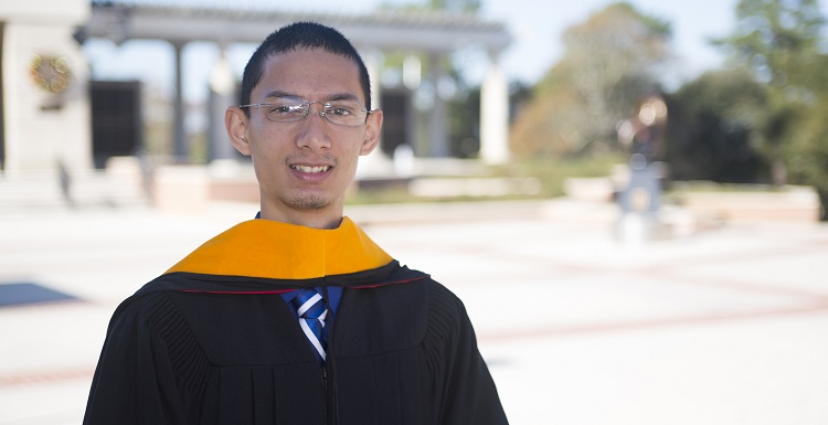 Raaj Ghosal, a Frederick P. Whiddon Scholar, earned a 3.78 grade-point average while enrolled as an Honors Program student. He will receive his bachelor's degree in biomedical sciences and plans to go to medical school.