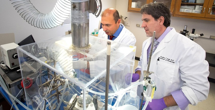 USA researchers Dr. Jonathon Audia, right, and Dr. Diego Alvarez recently developed a model of bacterial sepsis and pneumonia that can aid in the fight against antibiotic-resistant bacteria. data-lightbox='featured'