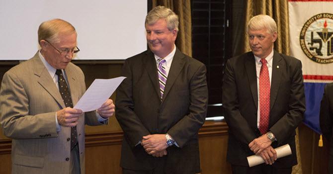 J.L. Bedsole Foundation donates scholarship to USA.